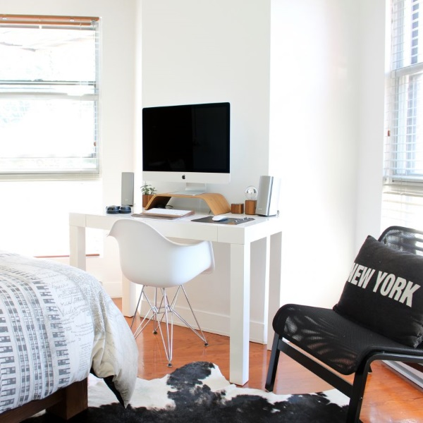 le bureau un espace de travail organis kolorados. Black Bedroom Furniture Sets. Home Design Ideas