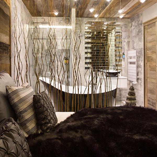 Une chambre-à-coucher se réchauffe d\'une décoration esprit montagne ...