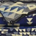 TARA - Plaid Imprimé 200 x 235 - Tissé Alpaga Bleu Nuit