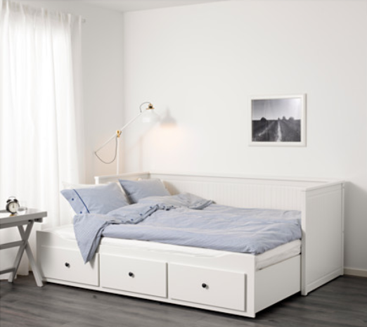 am nager une petite chambre coucher kolorados. Black Bedroom Furniture Sets. Home Design Ideas